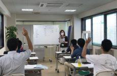Ready for work program 座学進行中です。